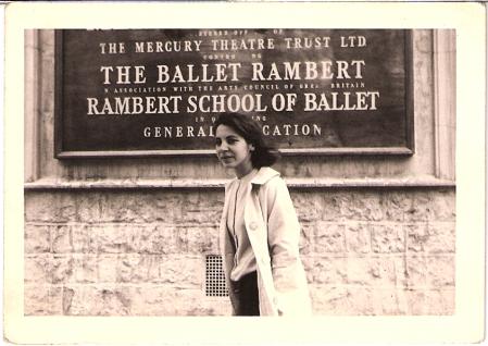 Oya Ölçen Londra'daki Bale Okulu'nda
